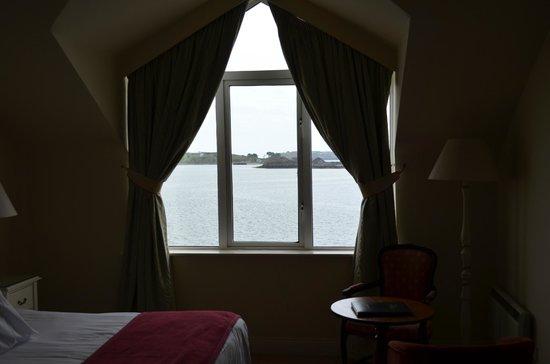 WatersEdge Hotel: Room1