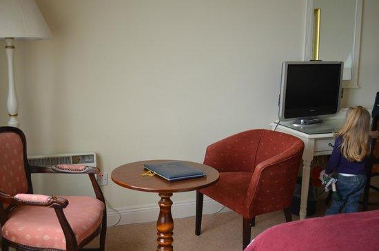 WatersEdge Hotel: Room3