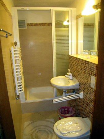 Hotel Post Fusch: bathroom