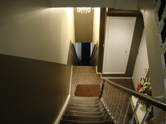 B&B Bruxsel: Escaleras/Stears