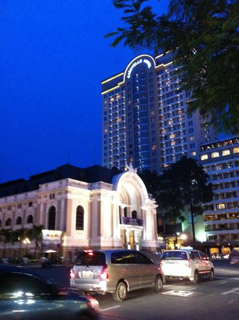 Caravelle Saigon: View of Caravelle behind the Opera House