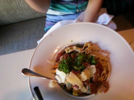 L'Albatros Brasserie + Bar: Pasta Du Jour