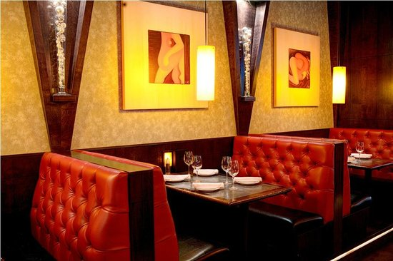 Ric's Grill: Dining Room Booths