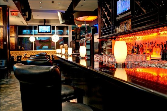 Ric's Grill: Lounge