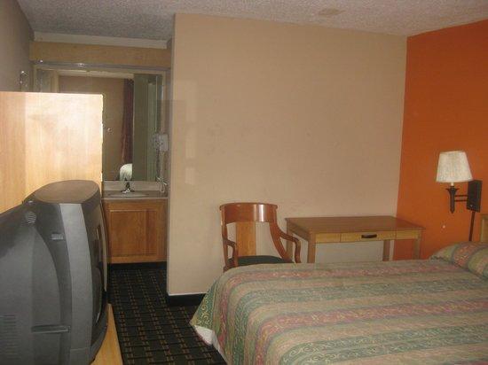 Motel 6 Memphis Northeast : our room