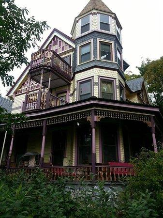 Trebor Mansion Inn: Inn