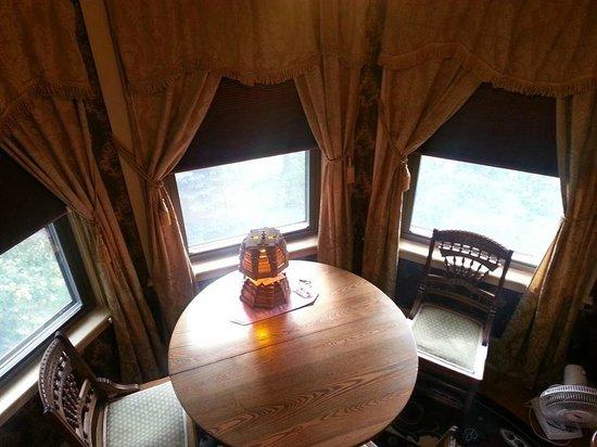 Trebor Mansion Inn: room