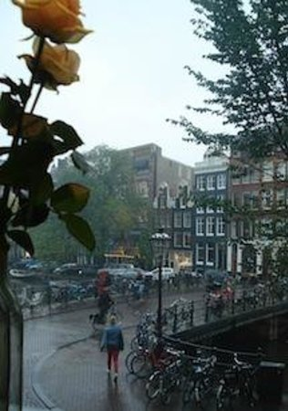 Boutique B&B Kamer01: Street view from the breakfast room