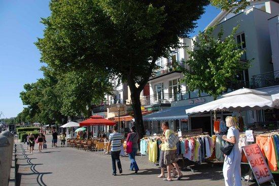 Fischmarkt bild von ostseebad warnem nde warnem nde for Das resort warnemunde