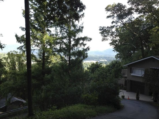 Asheville Swiss Chalets : Asheville from a mountain hideaway