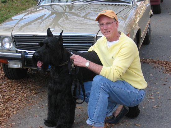 Lafitte Guest House: My Giant Schnauzer Bailey and me..