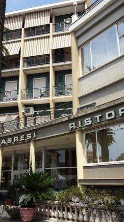Hotel Calabresi: entrata / esterno
