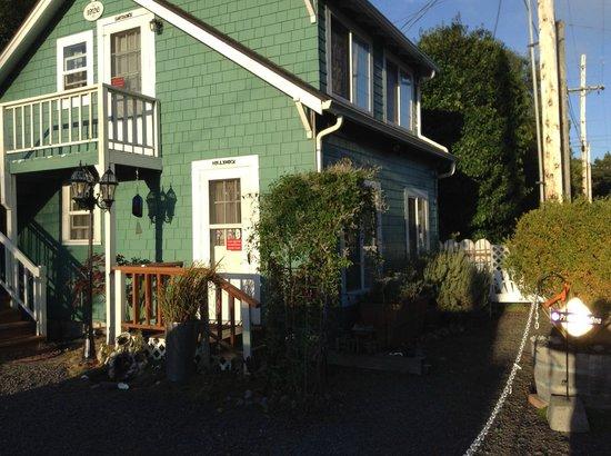Enchanted Cottages: Captains studio unit w/ kitchen (above) & 1-bedroom w/ Kitchen Hollyhock unit (below)
