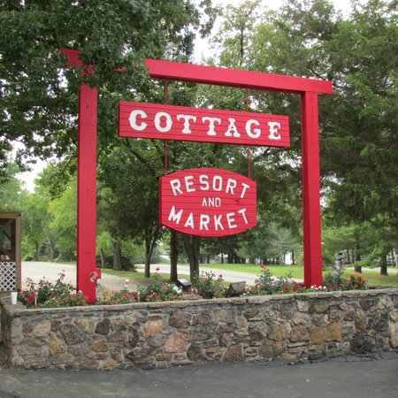 The Cottage Resort and Market: Look for this sign coming down Indian Point Road