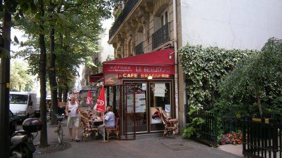 Le Beaujolais: Street view