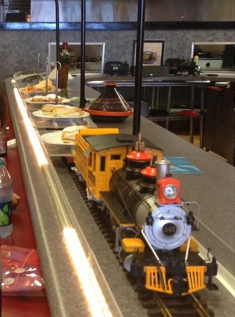 Carthage Express: Train bringing food