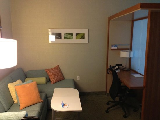 SpringHill Suites Wenatchee: Nice sitting area