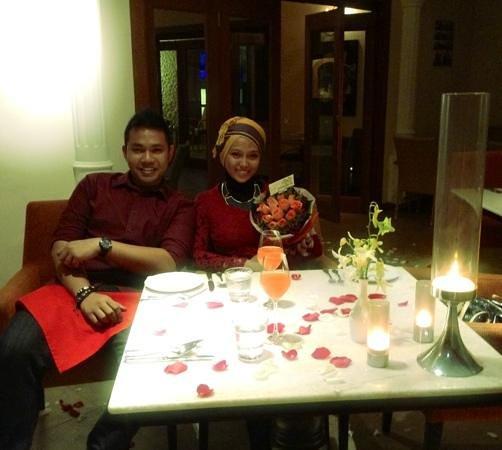 Maio Restaurant: Us at dinner