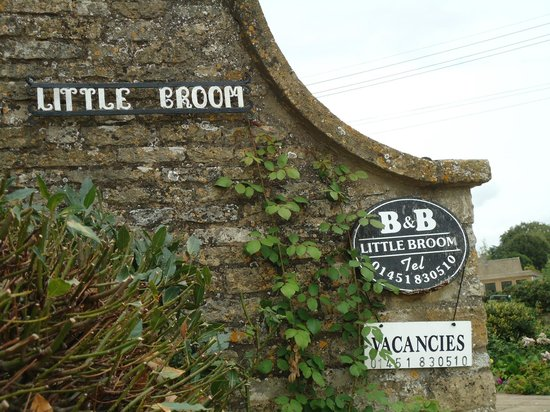 Little Broom: Entering grounds