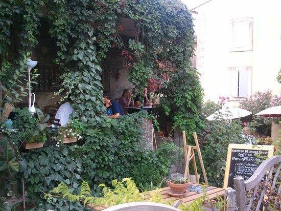 Le comptoir de balthazar : Bucólica terraza