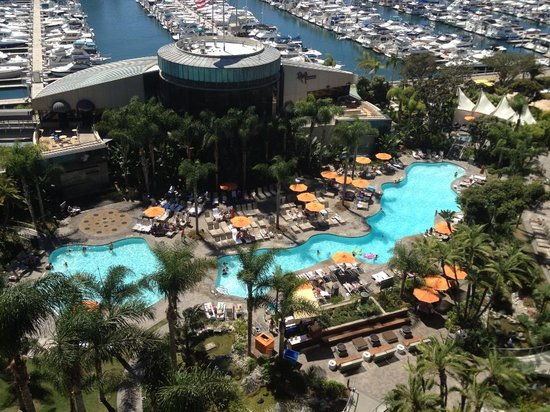 Marriott Marquis San Diego Marina: View from our room looking down at the pool