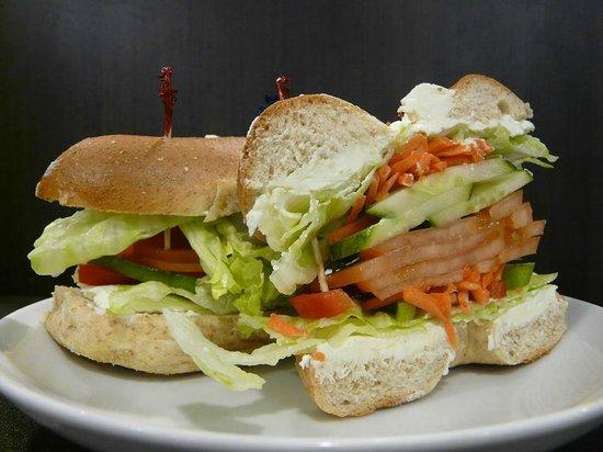 Nathan Detroit's Sandwich Pad : Veggie Bagel