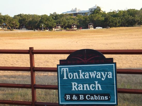 Tonkawaya Ranch B&B: A Welcomed Sign