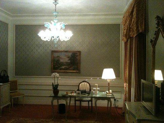 Hotel Splendide Royal: classic lakefront room