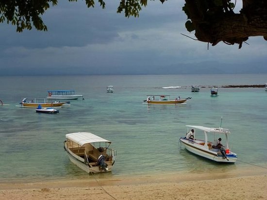 NusaBay Lembongan By WHM : View from sunlounger