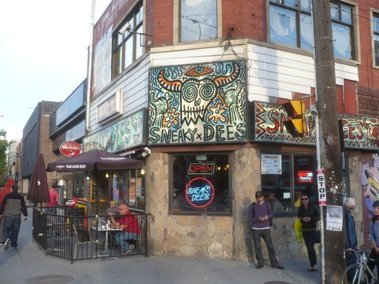 Planet Traveler: Mex food on College west of hostel (and live music!)