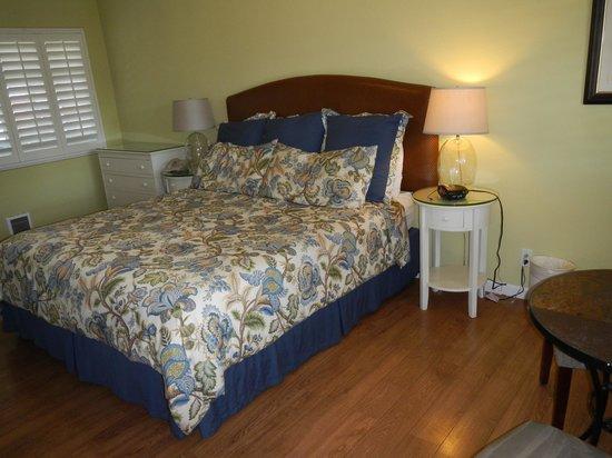 Sunset Inn: Bedroom
