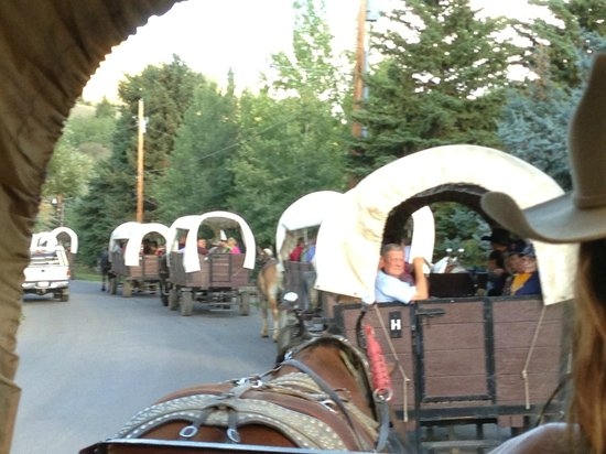 Bar-T-5 Covered Wagon Cookout : chuck wagon dinner ride