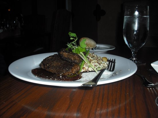 Bow Valley Grill: venison with merlot