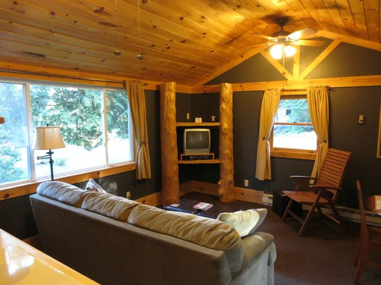 Acadia Cottages : Deluxe Cabin #15 (Living room w/dinning table on right)