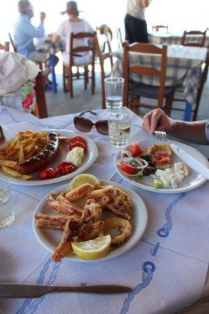 Taverna Mesa Pigadia: the tomatos and calamari were great