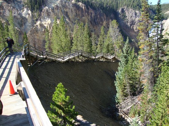 Yellowstone River : there are some stairs