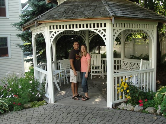 Harbour View Inn : Gazebo in the garden area