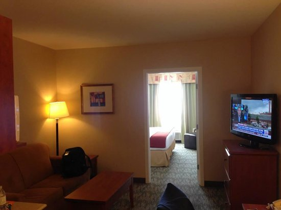 Holiday Inn Express Hotel & Suites Edmonton South: My Suite Upgrade