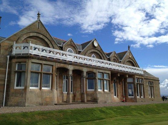 Royal Troon Golf Club: charming clubhouse