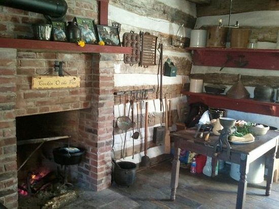 Marthasville, MO: Open Hearth Cooking Display