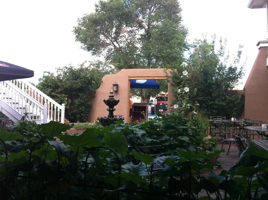 Antonio's A Taste of Mexico: Patio Courtyard with fountain and singer