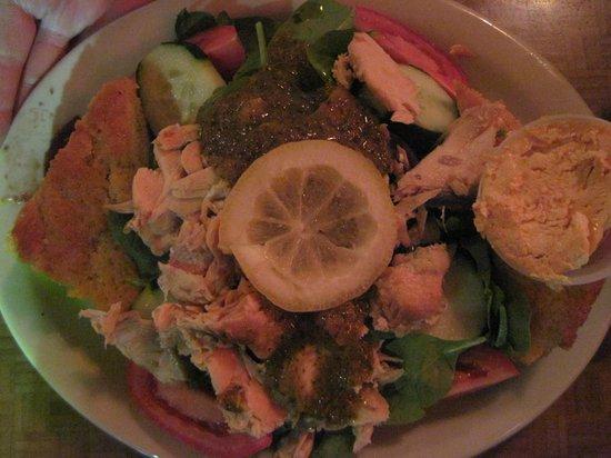 Moab Brewery: Smoked Salmon Salad