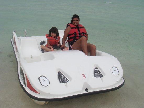 Hotel Playa Coco: Full Divercion