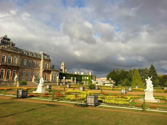 The Old Forge B&B: 10 minute drive away is Wrest Park, with formal gardens from early 18th century