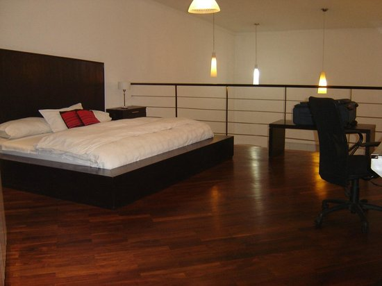 Mora Loft: Upstairs, double bed