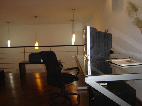 Mora Loft: Upstairs