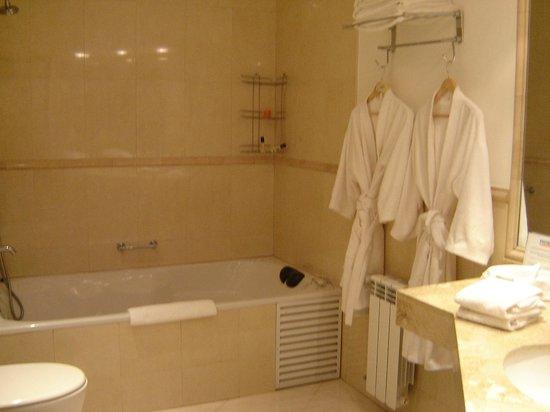 Mora Loft: Bathroom