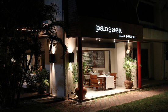 SALA Samui Resort And Spa: Pangea restaurant which is outside the hotel actually.