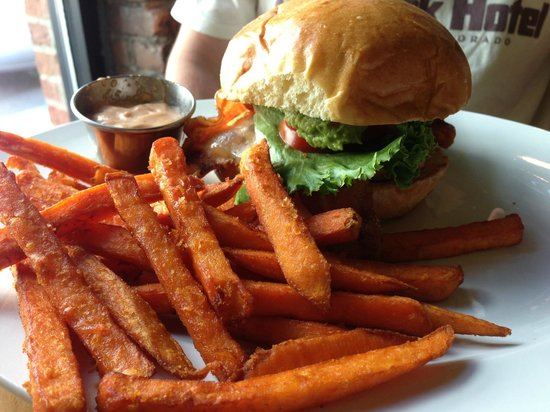 501 Bar and Grill: Grilled Chicken Club, Sweet Potato Fries