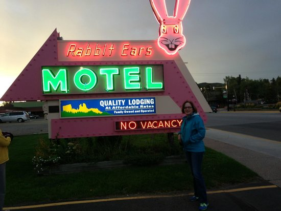 Rabbit Ears Motel: The iconic sign